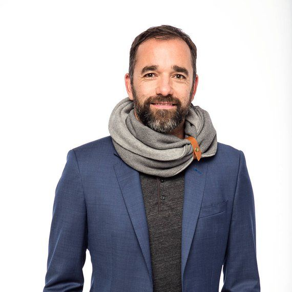 Warm elegance for him. 20 best scarves for men