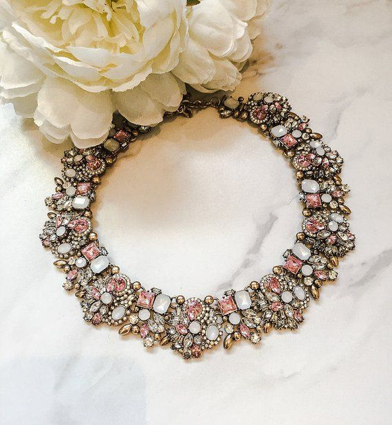 Top 30+ unique statement necklace to make you feel like a celebrity