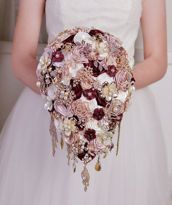 30 Amazing Wedding Brooch Bouquets